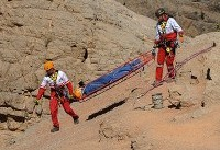 نجات مرد ۵۰ ساله سقوط کرده از ارتفاعات «بزقوش»