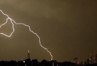 «مادر همه آذرخشها» قریب به ۲۰ هزار بار آسمان بریتانیا را روشن کرد