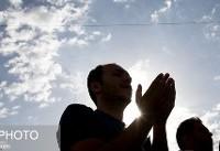 از حمل و نقل رایگان تا گلباران نمازگزاران در