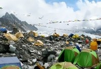 کوهنوردان اورست را به زبالهدانی تبدیل کردند