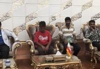 ۱۷ ملوان زندانی در سومالی به تهران بازگشتند