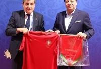 اهدای فرش دستباف به رئیس فدراسیون فوتبال پرتغال+ عکس