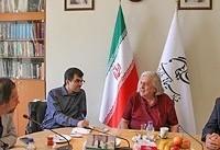 دیدار منتقد آمریکایی با مدیر عامل فارابی | رزنبام: مردم آمریکا با مردم ایران سر جنگ ندارند