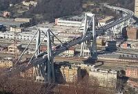 ریزش مرگبار پل در جنوای ایتالیا؛دهها نفر کشته و زخمی شدند+فیلم و تصاویر
