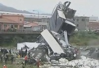 حادثه مرگبار ریزش پل در شمالِ ایتالیا + عکس