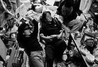 زندگی فشرده خانواده ژاپنی در یک اتاق کوچک (+عکس)