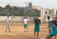 تمرین پیش از بازی بازیکنان تیم امید در زمین خاکی پیش از بازی با عربستان + تصاویر