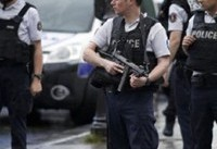 ورود جوان مست با خودرو به میان جمعیت در فرانسه دستکم ۷ زخمی بر جای گذاشت