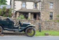 Up hill and down dale in a 1910 Maxwell
