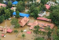 More bodies found in flooded Kerala as toll hits 370