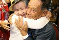 Tears as North and South Koreans meet after decades