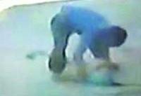 جزئیات فیلم انداختن دختربچه به چاه