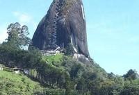 عجیبترین صخره راه پلهدار جهان (عکس)