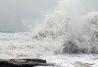 ارتفاع موج در سواحل خزر به ۳ متر میرسد + فیلم