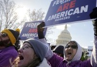 Payday without pay hits federal workers as shutdown drags on