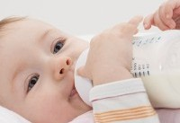 انجمن تغدیه در مورد فروش شیر خشک در سوپرمارکتها هشدار داد