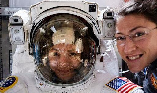 نخستین راهپیمایی فضایی فضانوردان زن