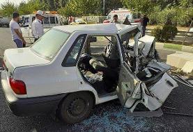 برخورد سه خودرو در جاده خاوران/محبوس شدن دو سرنشین در پراید