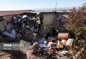 نجات نوزاد زلزله زده از گازگرفتگی در چادر/ امکان نداشتن توزیع کانکس