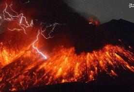 تصاویری جالب از فوران آتشفشان در چین