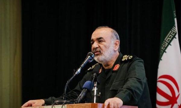 فرمانده سپاه: ناوهای دشمن در هیچجای دنیا امنیت ندارند