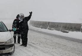 نخستین برف پاییزی جادههای اصفهان را سفیدپوش کرد