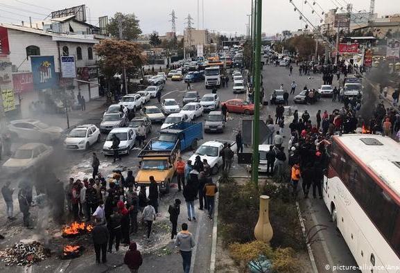 واکنش وزیر ارتباطات به قطعی اینترنت در پی شورش در شهرهای ایران: ما ...