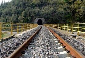برخورد پراید با قطار تهران-قزوین؛ سرنشینان پراید جان باختند