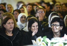 Albanians hold mass funeral for earthquake victims