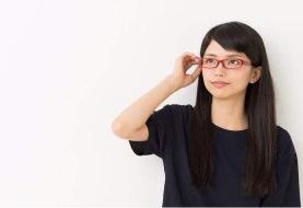 اعتراض ژاپنیها به ممنوع شدن عینک زدن زنان در محل کار