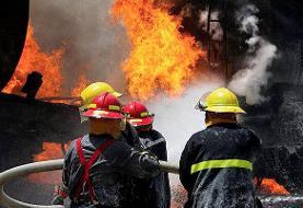 آتش سوزی در انبار لباس چهارراه استانبول تهران