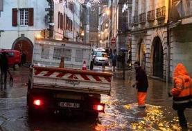 باران و سیل، برق ۶۰ هزار منزل در فرانسه را قطع کرد +عکس