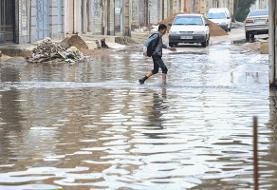 بارندگی شدید مدارس گناوه را تعطیل کرد