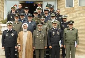 موسوی با حضور در ستاد نیروی دریایی به خانزادی تبریک گفت