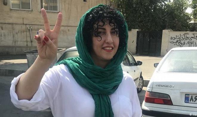 دو پرونده جدید با شش اتهام علیه نرگس محمدی تشکیل شد! با ضرب و شتم از زندان اوین به زندان زنجان منتقل شد