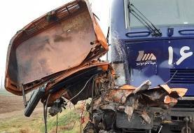 (عکس) برخورد مرگبار کامیون با قطار تهران-رشت
