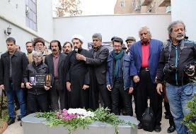 (تصاویر) مراسم تشییع پیکر زندهیاد نصرت کریمی