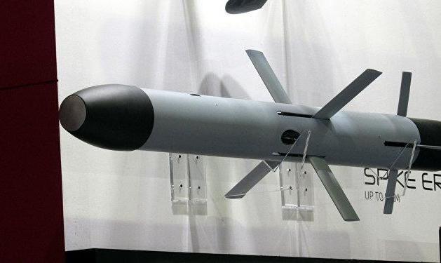 ظریف: هدف هشدار آزمایش موشک هستهای اسرائیل، ایران بود