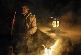 (تصاویر) داستان عجیب پیرمرد ۸۰ ساله تنها در دل بیابان