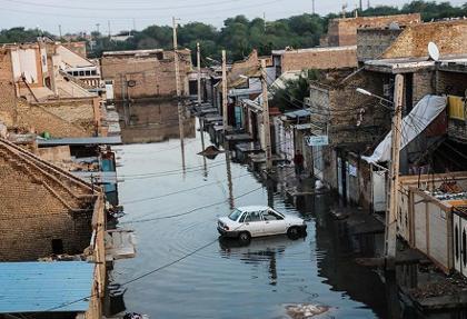 تصاویر: طغیان فاضلاب و ورود به منازل در شهر کوت عبدالله