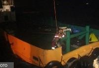 نجات جان ۹ دریانورد مضطر شناورهای به گل نشسته در بندرعباس + عکس