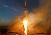 NASA mulls buying new rides to space from Russia amid program delays