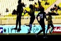 دیدار تیم های فوتبال فولاد خوزستان و نفت مسجد سلیمان