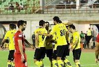 تساوی فولاد و سپاهان   بازی جذاب در روز افتتاح ورزشگاهی زیبا