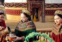 طنین همدلی با حضور هنرمندان ترکمنستانی در کیش