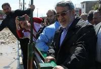 وزیر کشور تا عادی شدن اوضاع در مناطق سیل زده می ماند