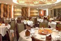 دریافت حق سرویس در رستورانها تخلف است