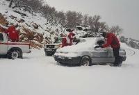 نجات ۸ سلماسی گرفتار در برف و کولاک