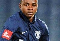 مرگ یک فوتبالیست در وسط زمین بازی