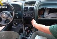 قاچاق انسان در داخل داشبورد و موتور خودرو! (+ تصاویر)